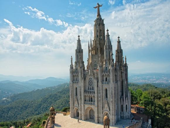 gora-tibidabo-hram-svyatogo-serdtsa.jpg