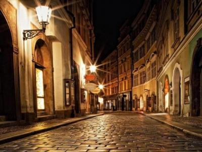 Переулок в Праге